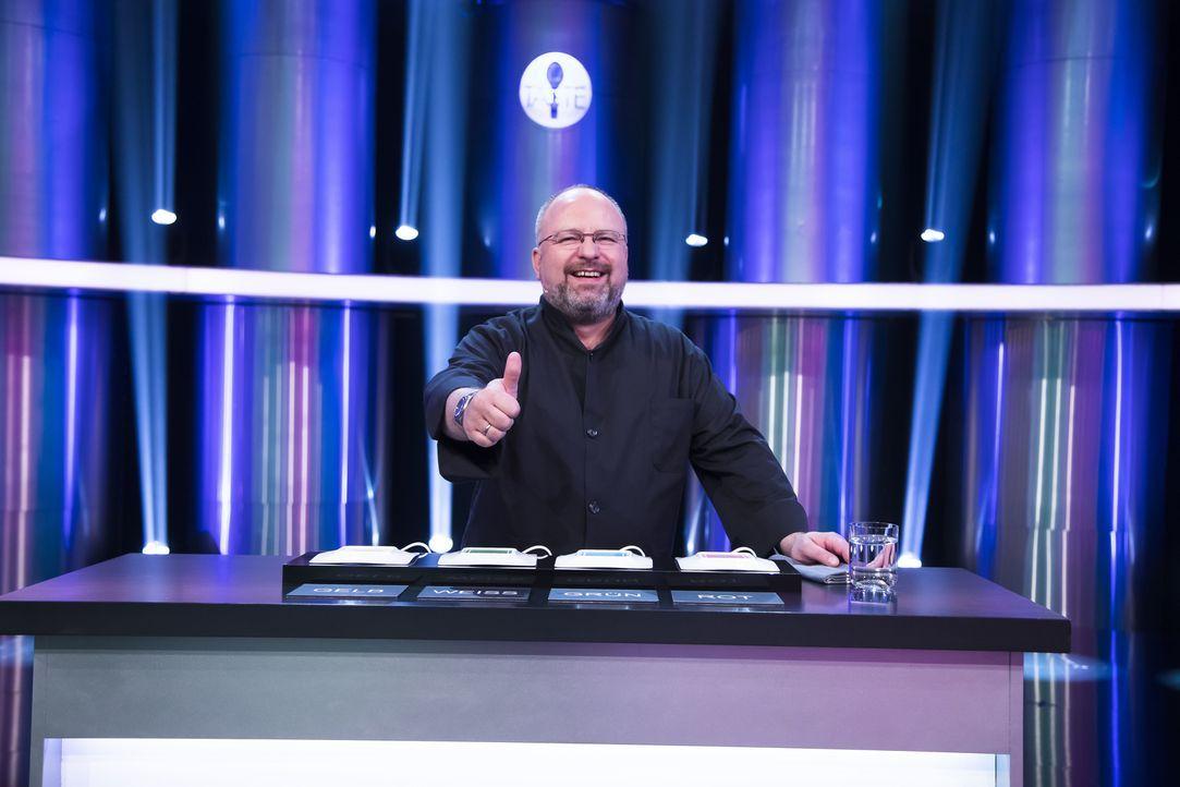 Welches Team wird Christian Lohse von seinen Kochkünsten überzeugen können? - Bildquelle: Benedikt Müller SAT.1
