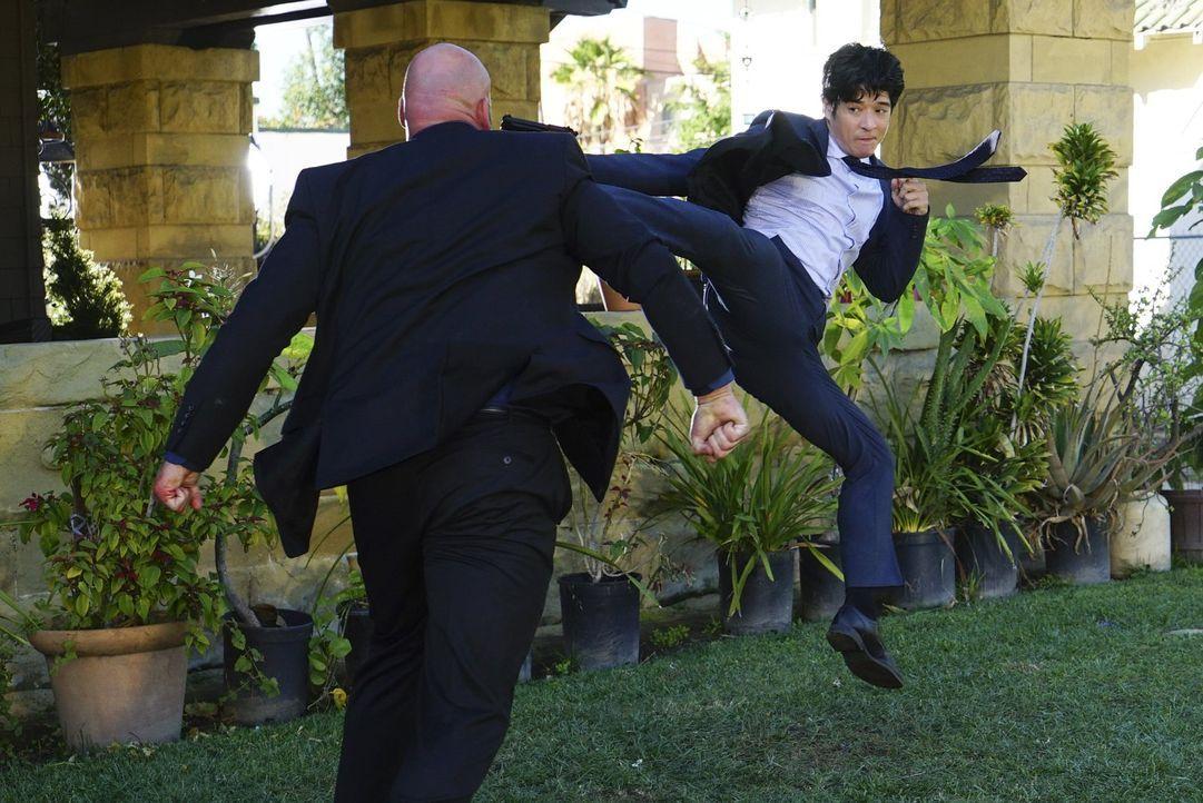 Auf der Jagd nach einer Bande Krimineller: Lee (Jon Foo, r.) ... - Bildquelle: Warner Brothers