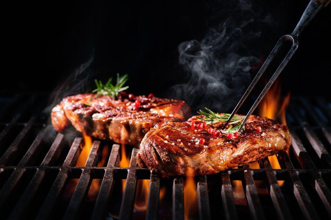 grillen-rindfleisch - Bildquelle: Alexander Raths - Fotolia