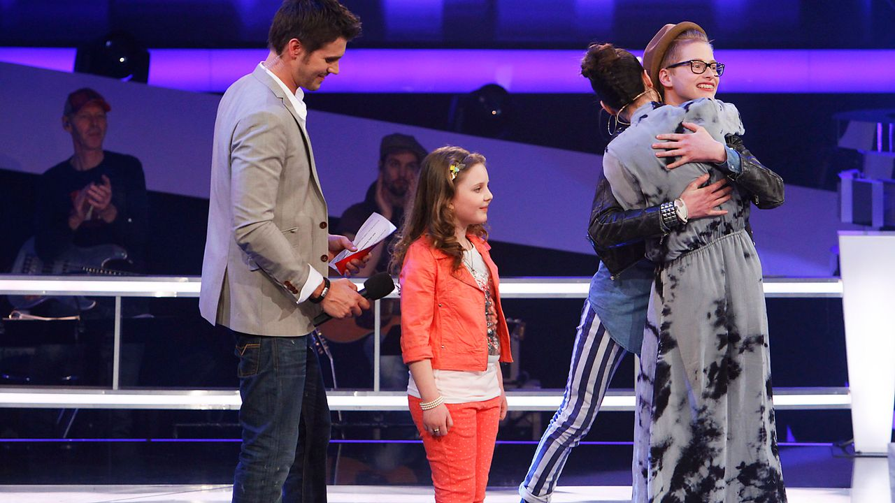 The-Voice-Kids-epi05-Aulona-Tim-1-SAT1-Richard-Huebner - Bildquelle: SAT.1/Richard Hübner