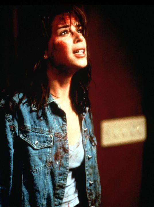 Nach und nach bekommt es Sidney (Neve Campbell) doch mit der Angst zu tun ... - Bildquelle: Dimension Films