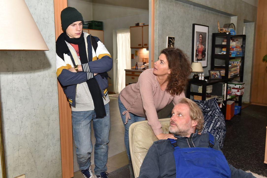 (v.l.n.r.) Basti (Lennart Borchert); Elke (Anne Brendler); Mike (Mirco Reseg) - Bildquelle: Andre Kowalski SAT.1/André Kowalski