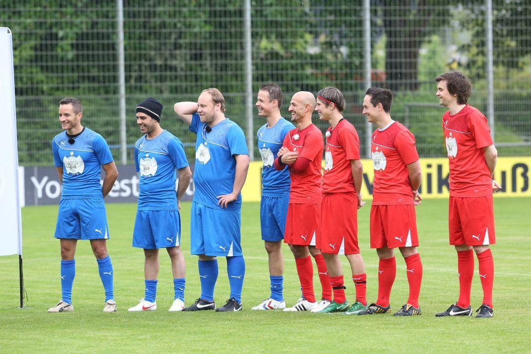 Alle wollen ins Team, doch wer wird es schaffen (v.l.n.r.): Timo Scheider, Keywan Taghetchian, Martin Busch, Pete Dwojak, Peyman Amin, Marius Munser... - Bildquelle: Ralf Jürgens SAT.1