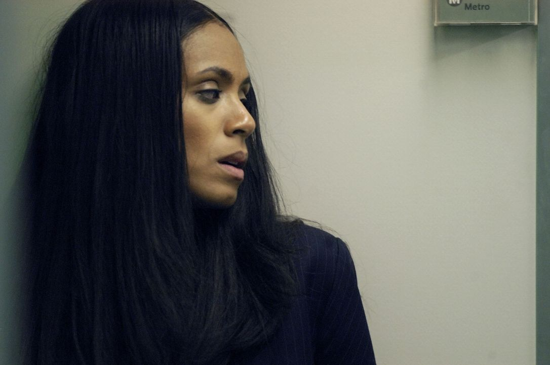 Gelingt es der Staatsanwältin Annie (Jada Pinkett Smith), dem hemmungslosen Killer zu entkommen? - Bildquelle: TM &   Paramount Pictures. All Rights Reserved.