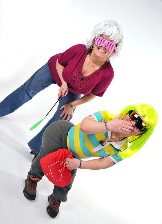 Elke-und-ihre-Freundin-beim-Fotoshooting-3 - Bildquelle: SAT.1