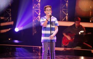 The-Voice-Kids-Stf04-Epi04-Maxime-SAT1-Richard-Huebner