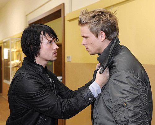 Ben realisiert, dass seine schlimmsten Befürchtungen wahr werden. Ronnie kann ihn zunächst davon überzeugen, sich nicht zu verraten ... - Bildquelle: Christoph Assmann - Sat1