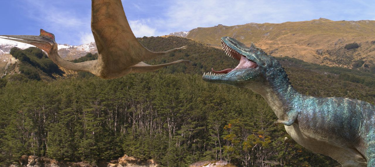 Der gefürchtete Gorgosaurus (r.) schreckt vor nichts und niemandem zurück, doch als er auf Patchi trifft, stößt er auf einen ungeahnten Widersacher... - Bildquelle: 2013 Constantin Film Verleih GmbH.