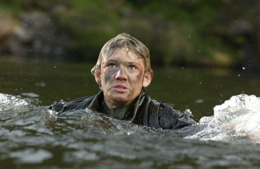 Im Fokus eines eiskalten Killers: Alex (Alex Pettyfer) ... - Bildquelle: Liam Daniel Samuelsons / IoM Film. / Liam Daniel