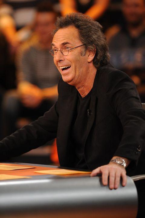 Moderator der Show und immer mit Spaß dabei: Hugo Egon Balder. - Bildquelle: Sat.1