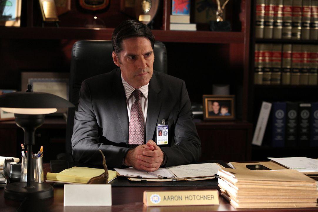 Gemeinsam mit seinem Team versucht er, einen Serienmörder zu fassen: Hotch (Thomas Gibson) ... - Bildquelle: ABC Studios