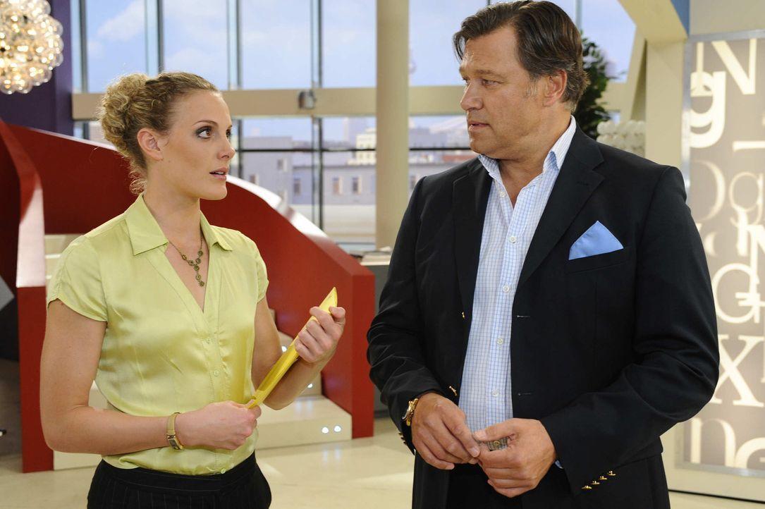 Während Richard (Robert Jarczyk, r.) immer stärker unter seinen Zweifeln leidet, bekommt Maja (Barbara Lanz) ein schlechtes Gewissen ... - Bildquelle: SAT.1