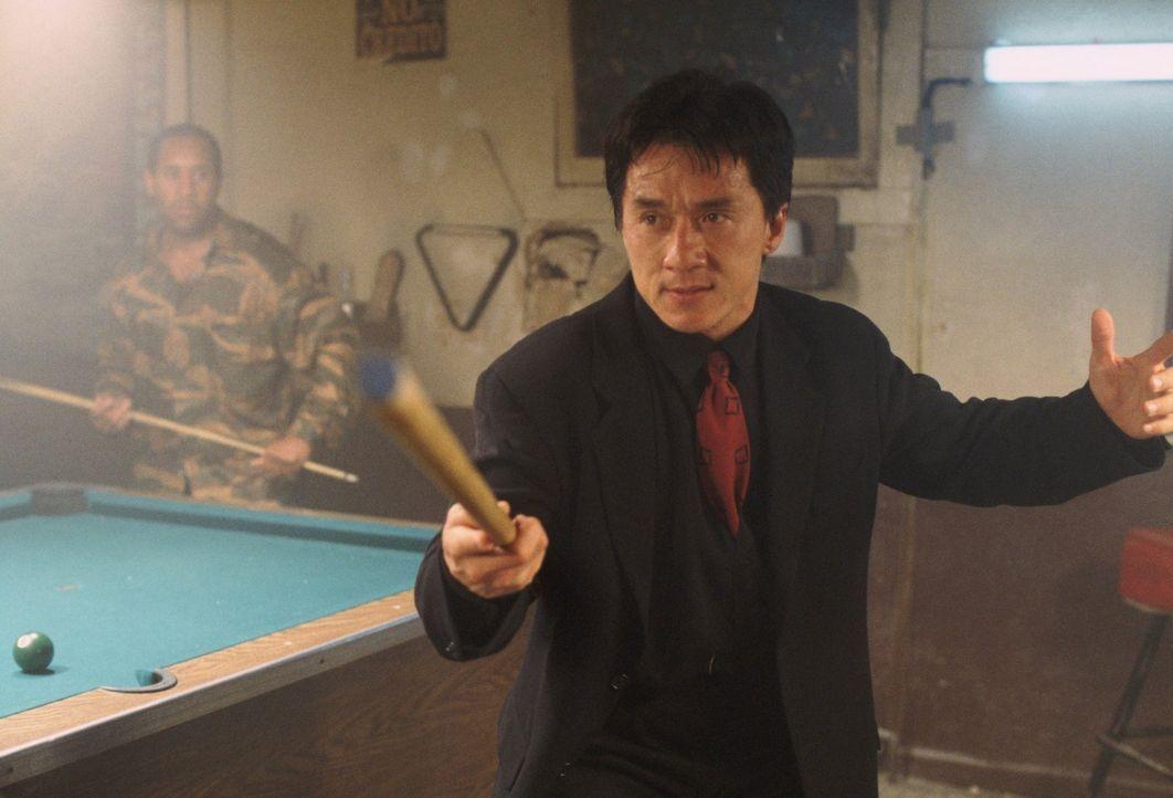 Im Einsatz gegen das organisierte Verbrechen vertraut Inspektor Lee (Jackie Chan) völlig auf seine asiatische Kampftechnik ... - Bildquelle: Warner Bros.