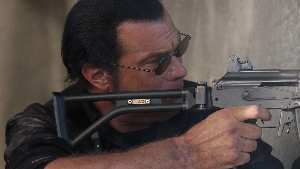 Steven Seagal - Mercenary - Bildquelle: Nu Image