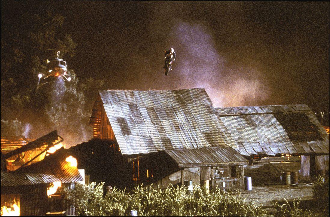 """Extremsportler Xander """"xXx"""" Cage (Vin Diesel) ist berüchtigt für seine todesmutigen Stunts ... - Bildquelle: 2003 Sony Pictures Television International. All Rights Reserved."""