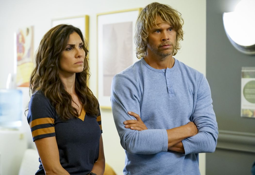 Kensi Blye (Daniela Ruah, l.); Marty Deeks (Eric Christian Olsen, r.) - Bildquelle: Sonja Flemming 2019 CBS Broadcasting, Inc. All Rights Reserved. / Sonja Flemming