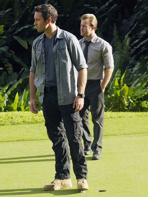 Ein neuer Fall wartet auf Steve (Alex O'Loughlin, l.) und Danny (Scott Caan). - Bildquelle: CBS Studios Inc