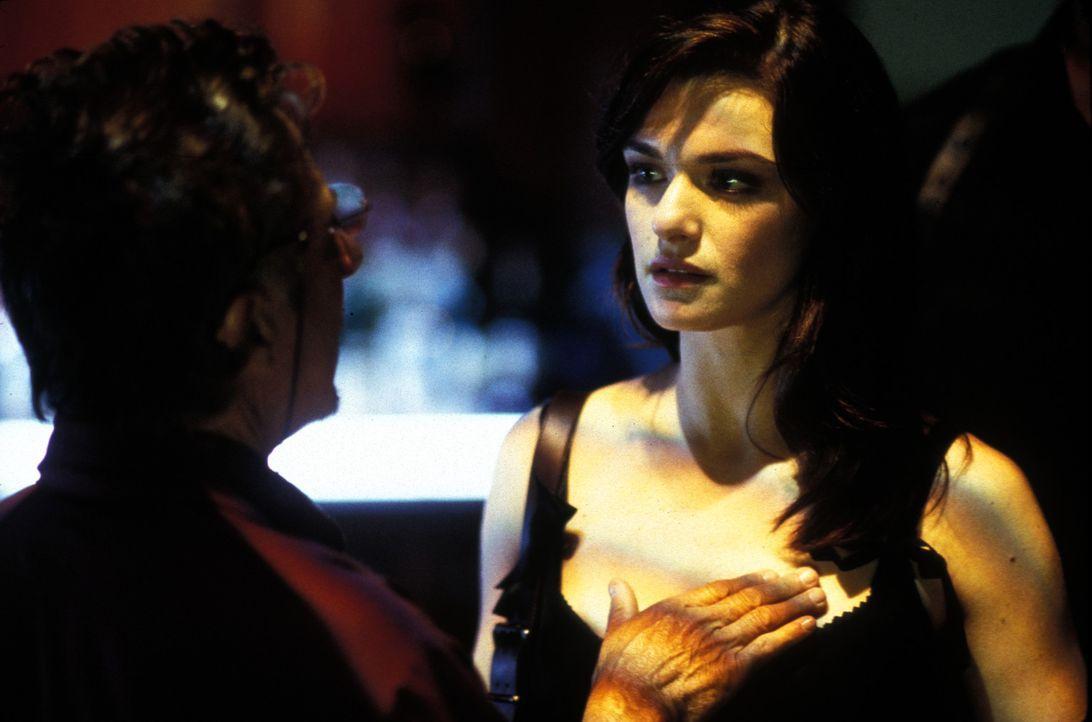 Mit Kings (Dustin Hoffman, l.) Geld und mit Lily (Rachel Weisz, r.) als Lockvogel soll Jake Vig alles wieder gut machen. Bleibt nur noch abzuwarten,... - Bildquelle: Lions Gate Films Inc.