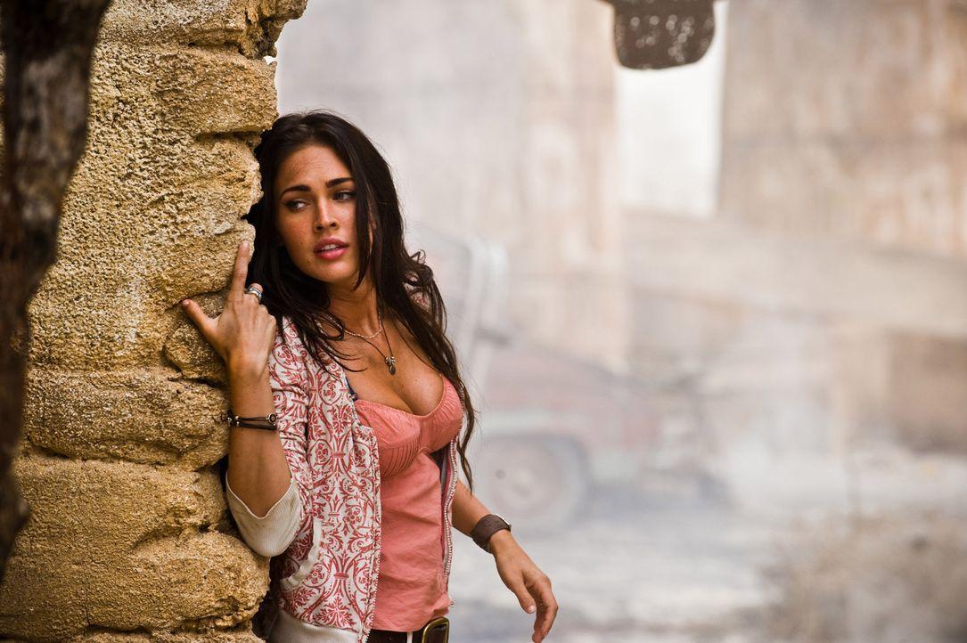 Auch Sams Freundin Mikaela (Megan Fox) muss noch einmal gegen die Decepticons kämpfen, die gestärkt zurückgekehrt sind, mit dem Plan, unsere Welt... - Bildquelle: MMIX DW STUDIOS L.L.C. and PARAMOUNT PICTURES CORPORATION. All Rights Reserved.