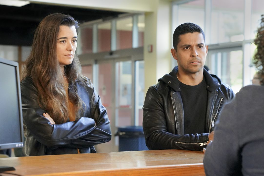 Ziva David (Cote de Pablo, l.); Nick Torres (Wilmer Valderrama, r.) - Bildquelle: Bill Inoshita 2019 CBS Broadcasting, Inc. All Rights Reserved. / Bill Inoshita