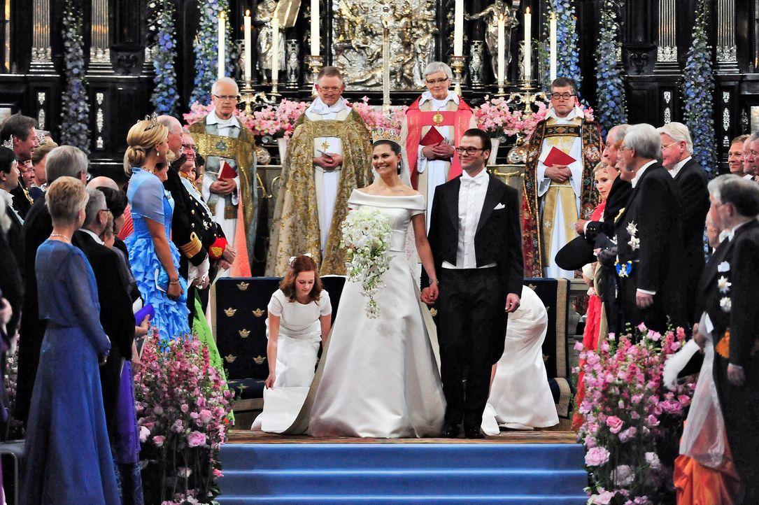 Hochzeit-Kronprinzessin-Victoria-von-Schweden-Prinz-Daniel-10-06-19-2-dpa - Bildquelle: dpa