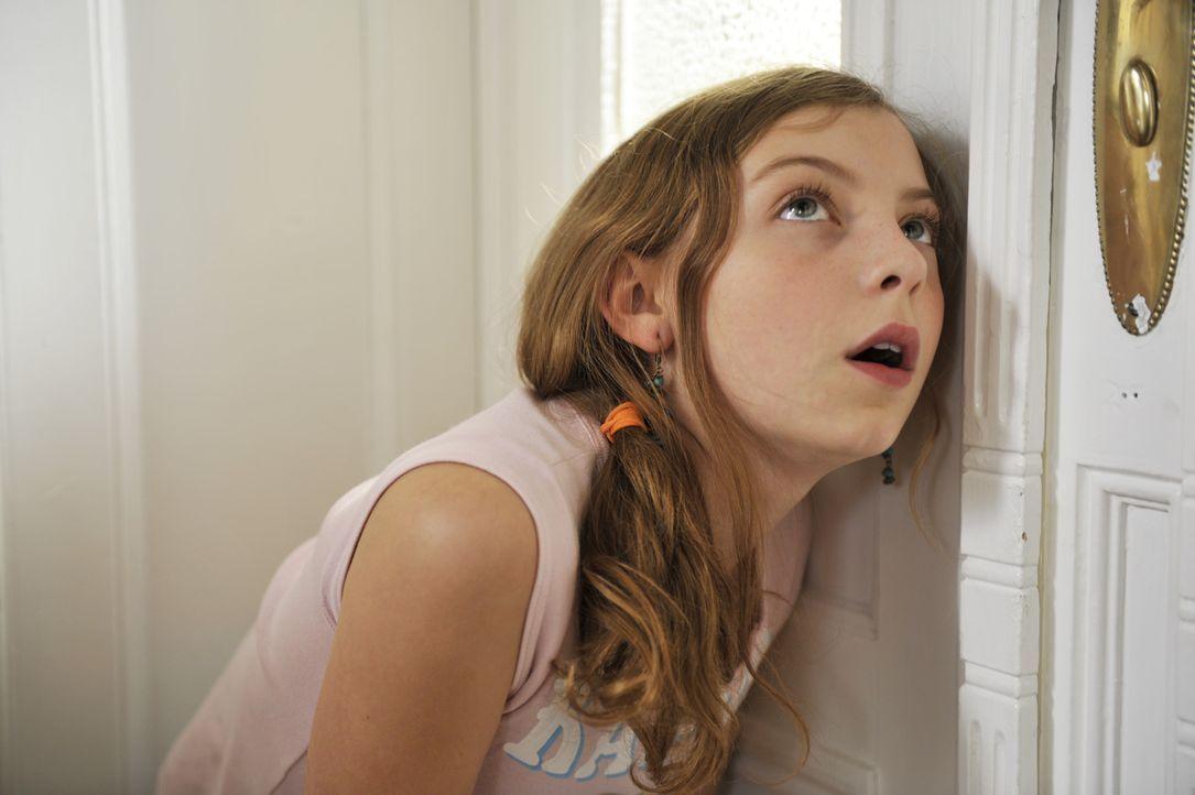 Ihre uncoole Schwester mit dem obercoolen Chriz? Das kann Luzy (Amber Bongard) gar nicht glauben ... - Bildquelle: Disney