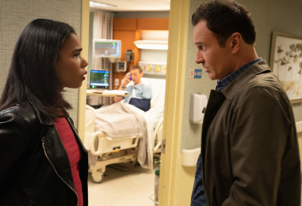 (v.l.n.r.) Sheryll Barnes (Roxy Sternberg); Karl Buchman (Christopher McLinden); Jess LaCroix (Julian McMahon) - Bildquelle: Mark Schafer 2019 CBS Broadcasting, Inc. All Rights Reserved / Mark Schafer
