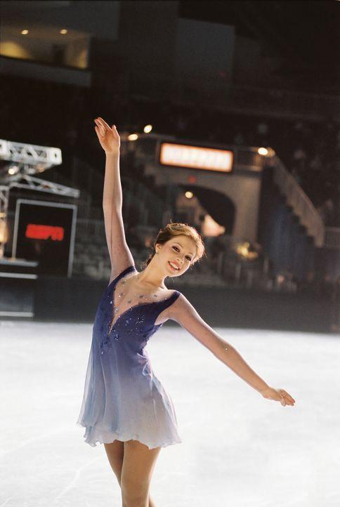 Gibt sich ihrem Traum, dem Eiskunstlaufen hin: Casey (Michelle Trachtenberg) ... - Bildquelle: 2005 Disney Enterprises, Inc.