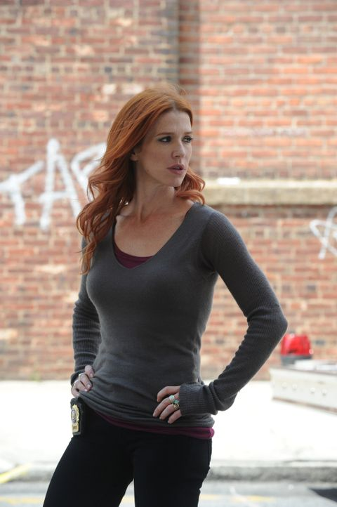 Wird sie den Mörder von Peter Forrest finden? Carrie (Poppy Montgomery) ... - Bildquelle: Sony Pictures Television Inc. All Rights Reserved.
