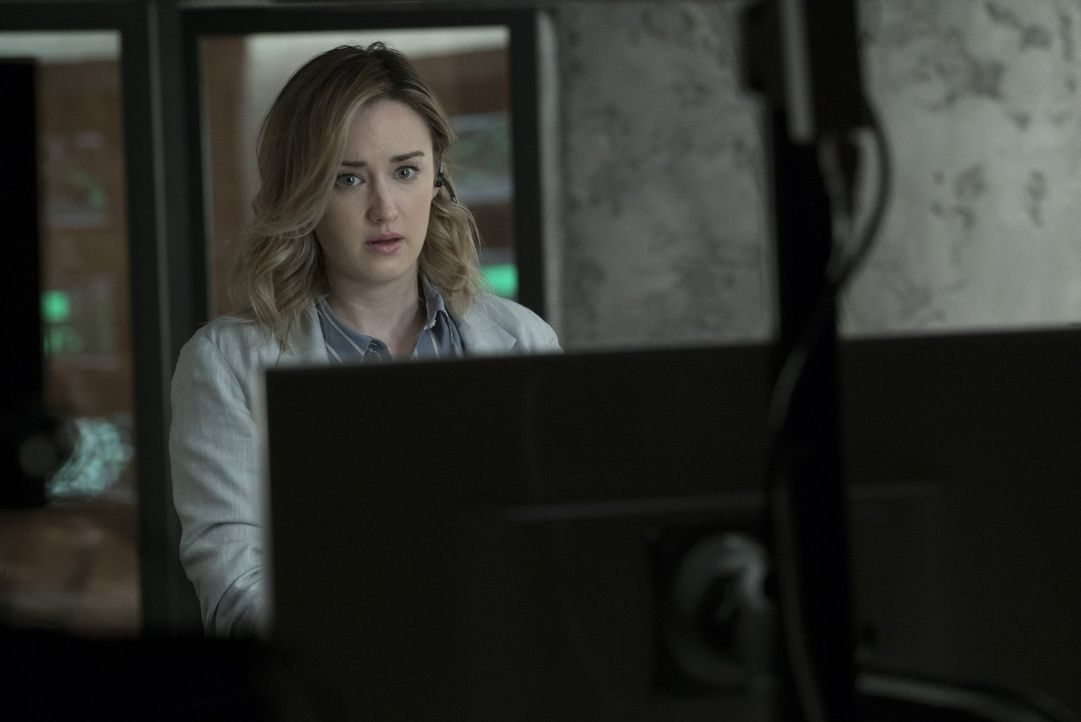 Noch ahnt Patterson (Ashley Johnson) nicht, dass heute noch eine große Enttäuschung auf sie wartet ... - Bildquelle: Warner Brothers