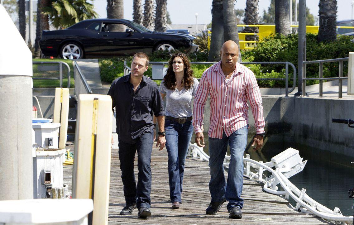 Undercover versuchen sie einen neuen Fall zu lösen: Special Agents Kensi Blye (Daniela Ruah, M.), Special Agent G. Callen (Chris O'Donnell, r.) und... - Bildquelle: CBS Studios Inc. All Rights Reserved.