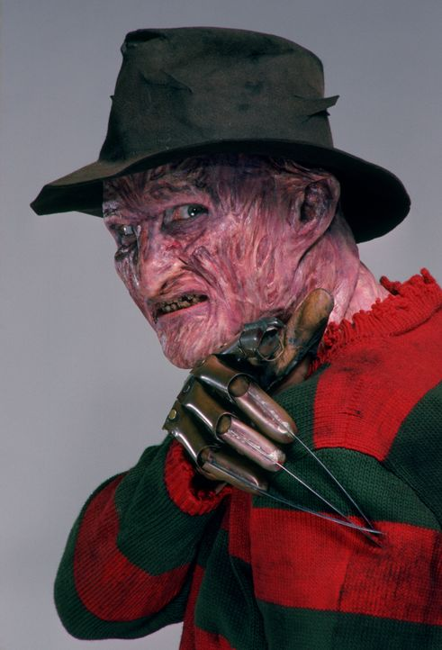 Fred Krueger (Robert Englund) - Bildquelle: 1985 New Line Productions, Inc. A NIGHTMARE ON ELM STREET 2 - FREDDY'S REVENGE and all related characters and elements are trademarks.