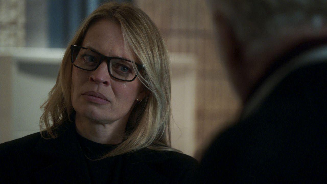 Gwendolyn Hayes (Jeri Ryan) - Bildquelle: 2020 CBS Broadcasting, Inc. All Rights Reserved.