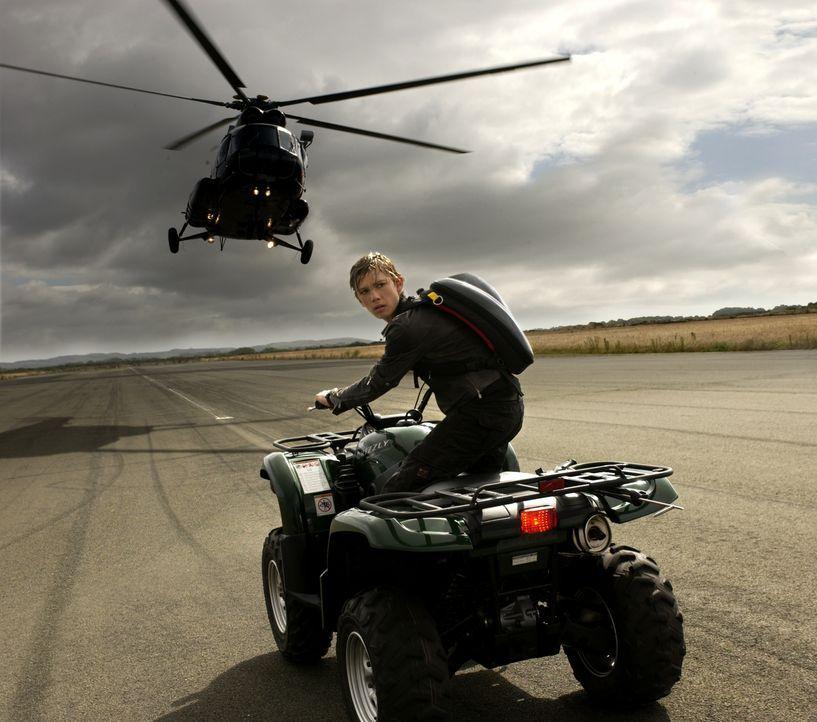 Im Visier eines eiskalten Gangsters: Alex Rider (Alex Pettyfer) ... - Bildquelle: Liam Daniel Samuelsons / IoM Film. / Liam Daniel