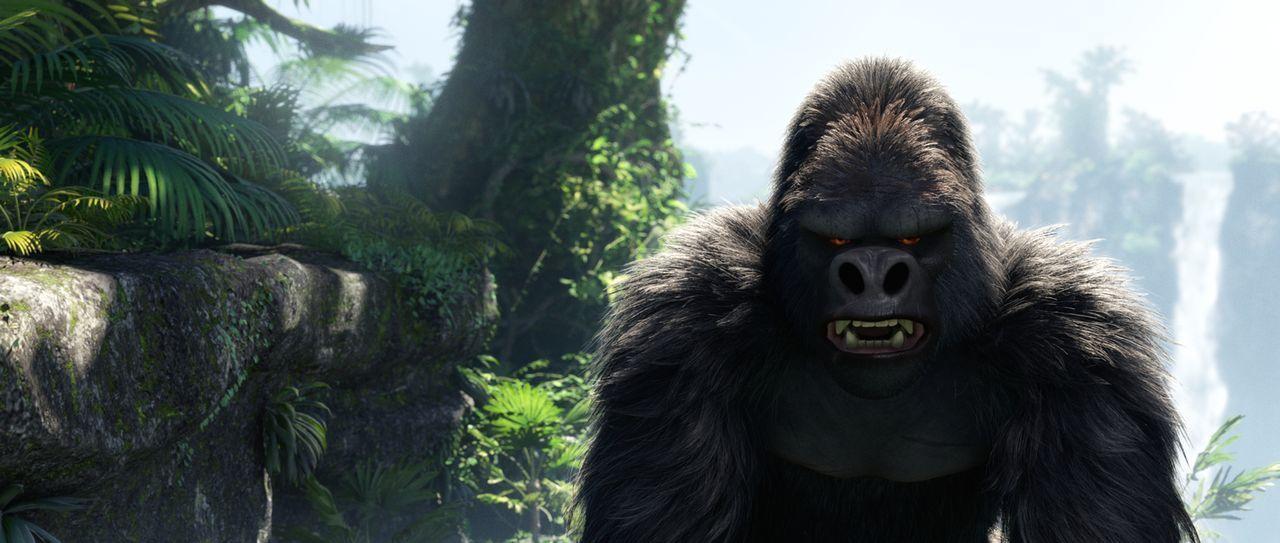Wütend und angriffsbereit fletscht Tarzans Affenfreund seine riesigen Zähne. Was hat er vor? - Bildquelle: Constantin Film