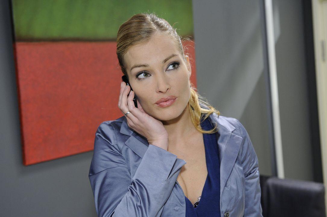 Annett (Tanja Wenzel) erkennt ihre Chance, Mia erneut zu demütigen... - Bildquelle: SAT.1