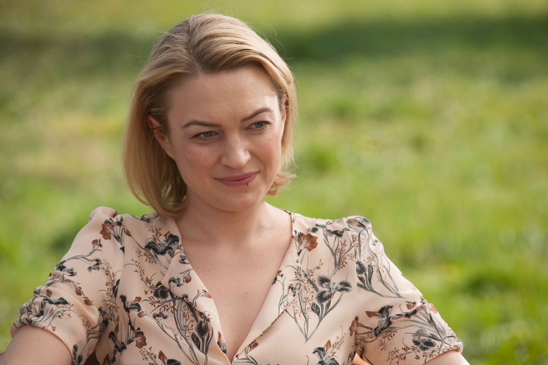 Noch ahnt niemand, dass die Gefängnis-Psychologin Dr. Anna Clarke (Sophia Myles) mit den brutalen Dieben gemeinsame Sache macht ... - Bildquelle: Francois Lefebvre 2013 Tandem Productions GmbH, TF1 Production SAS. All rights reserved.