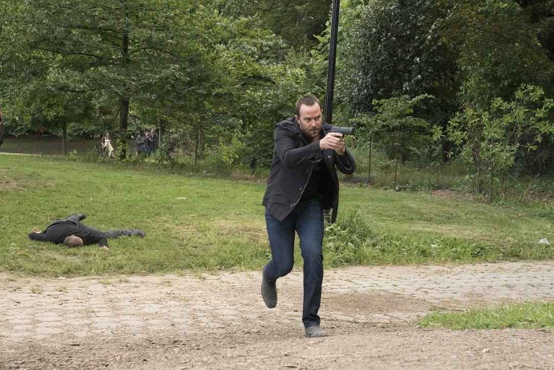 Zwei Männer verüben mehrere Sprengstoffanschläge in New York, es gibt viele Tote. Für Weller (Sullivan Stapleton) und sein Team beginnt ein gnadenlo... - Bildquelle: Warner Brothers
