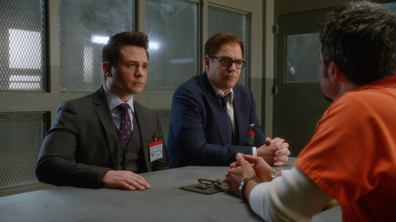 (v.l.n.r.) Benny Colón (Freddy Rodríguez); Dr. Jason Bull (Michael Weatherly); Trent Bolton (Manny Perez) - Bildquelle: 2019 CBS Broadcasting, Inc. All Rights Reserved.