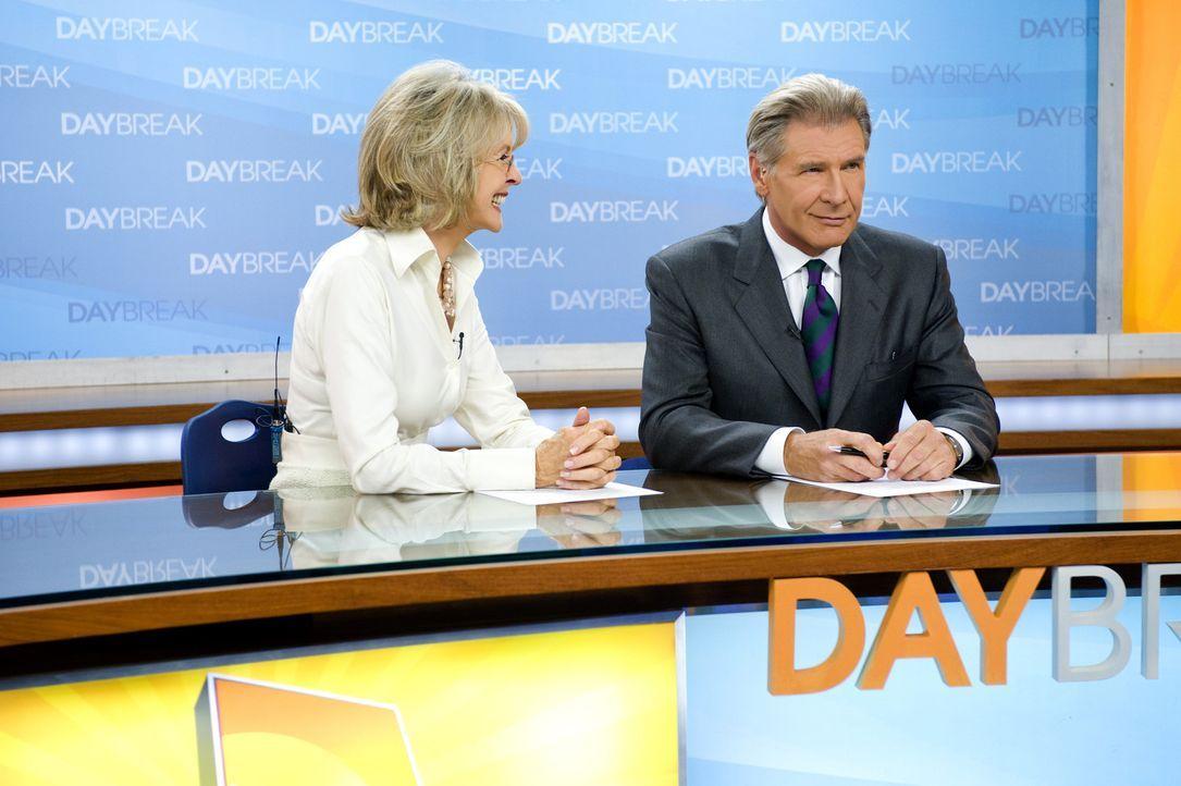 Ihre Zusammenarbeit gestaltet sich äußerst schwierig: Mike Pomeroy (Harrison Ford, r.) und Colleen Peck (Diane Keaton, l.) ... - Bildquelle: 2010 Paramount Pictures.  All rights reserved.