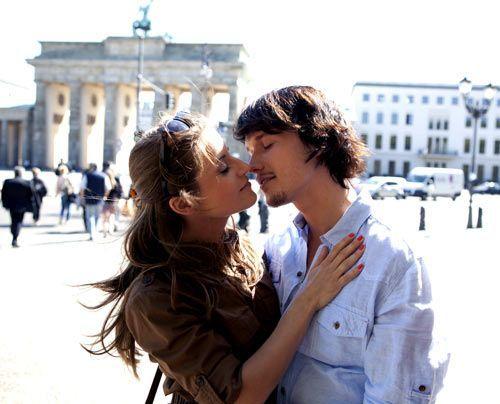 Ein gemeinsames Wochenende in Berlin: Anfangs muss sich Bea erst daran gewöhnen, sich mit Ben in der Öffentlichkeit unbekümmert zeigen zu können. - Bildquelle: David Saretzki - Sat1