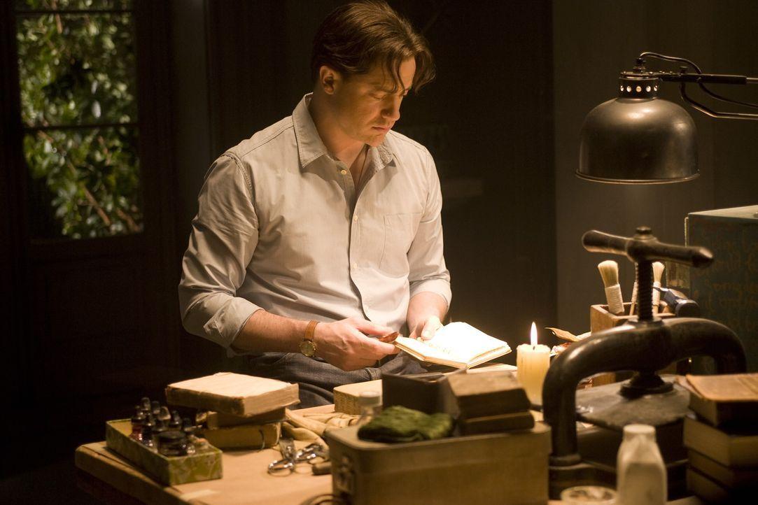 """Der Buchbinder Mo (Brendan Fraser) ist eine sogenannte """"Zauberzunge"""". Das heißt, dass er Figuren und andere Dinge durch lautes Vorlesen aus Bücher... - Bildquelle: Warner Brothers"""