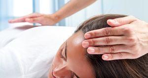 Massage_2015_11_04_Reiki Behandlung_Bild1_fotolia_karelnoppe