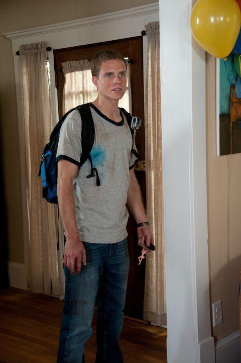 Eines Tages entdeckt der junge Student David (Jonny Weston), dass sein verstorbener Vater an einem bahnbrechenden Projekt gearbeitet hat: einer neua... - Bildquelle: 2015 Paramount Pictures. All Rights Reserved.