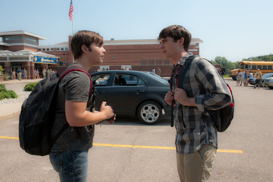Während sich die beiden Brüder auf die Abschlussfeier an der Highschool vorbereiten, braut sich über Silverton ein unberechenbarer Wirbelsturm zusam... - Bildquelle: 2014 © Warner Bros.