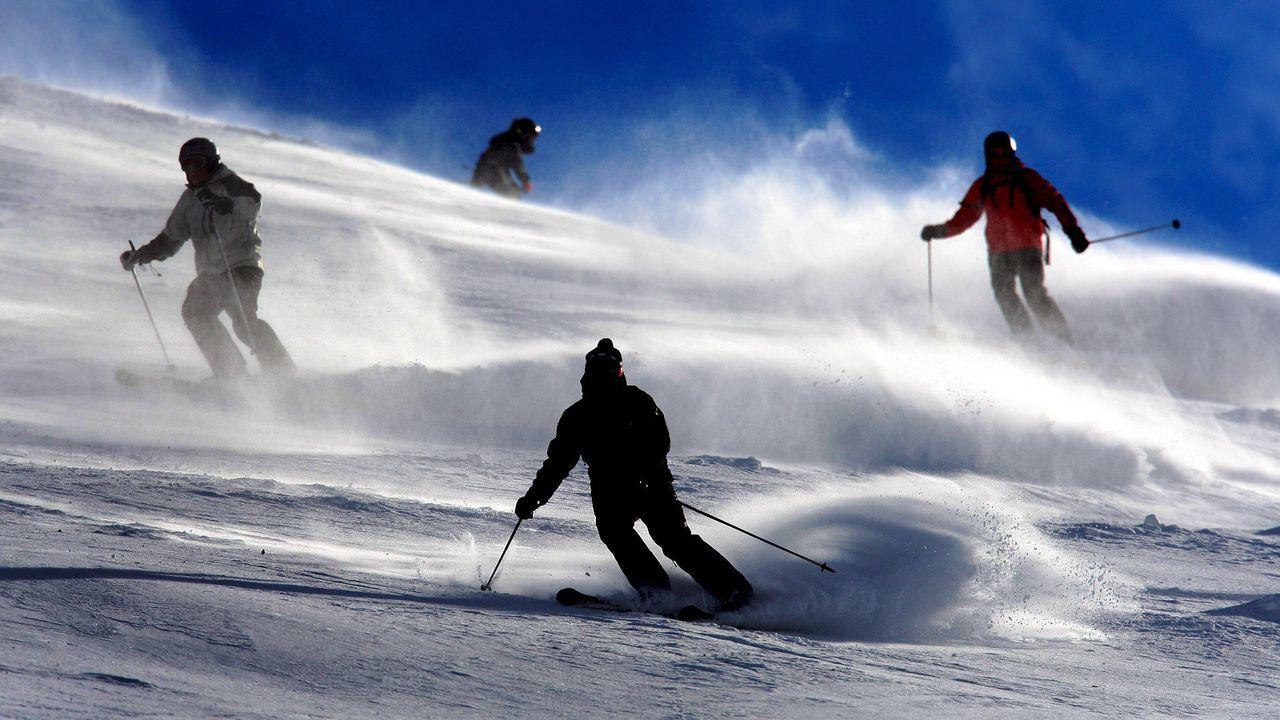 winterspecial-09-02-04-skiabfahrt-dpa - Bildquelle: dpa