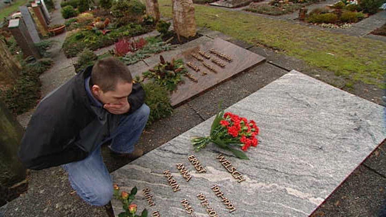 Jan Welsch sorgt sich um das Erbe seiner Mutter ... - Bildquelle: SAT.1