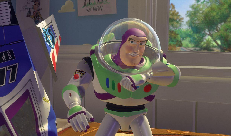 Kaum im Kinderzimmer eingezogen, beansprucht das neue Spielzeug, Space Ranger Buzz Lightyear, die alleinige Herrschaft unter den alten Spielsachen ... - Bildquelle: Disney/PIXAR