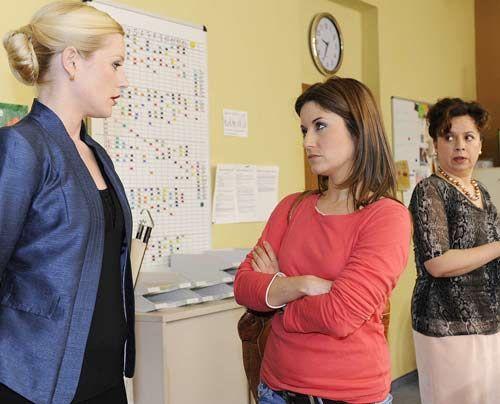 Helena macht Bea im Beisein von Ingrid klar, dass sie Ben nicht dauerhaft schützen kann ... - Bildquelle: Christoph Assmann - Sat1
