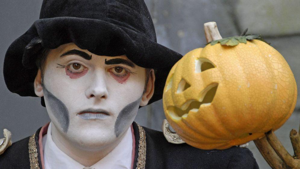 Halloween Kostüm Gespenst Selber Machen Tipps Sat1 Ratgeber